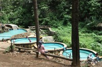 Kolam Buatan Wana Wisata Kampoeng Ciherang