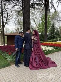 Taman Tulip di Turki ini juga menjadi pilihan pengantin untuk berfoto sebelum menikah.