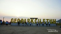 Pantai Palangpang sebagai pintu masuk kawasan Ciletuh.
