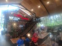 Ada juga coffee corner di rumah makan ini