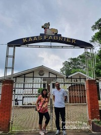 Pabrik keju di wisata Bukit Baros