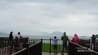 Waduk yang terletak di Purwakarta ini, selain sebagai bendungan juga menjadi tempat wisata keluarga