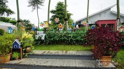 Wisata Hits Purwakarta, Berkebun di Urban Farming Center
