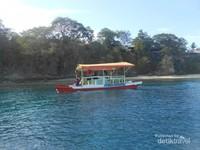 Boat yang multi fungsi untuk menjelajahi pantai dan menikmati keindahan bawah laut