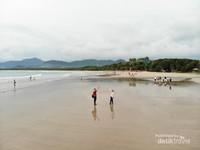 Digadang gadang menjadi salah satu pantai terindah di Jawa Timur