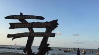 Ucapan selamat datang beserta letak lokasi di Pantai Kelapa.