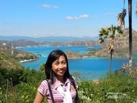 Melipir ke bukit, menyaksikan indahnya pemandangan alam.