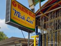 Warung Selat Mbak Lies berlokasi di wilayah Serengan, Kota Solo.