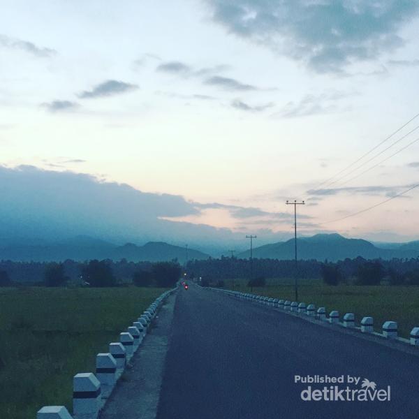 Pemandangan di Enam Lingkung