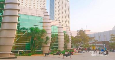 Santai Sore di Taman Ismail Marzuki