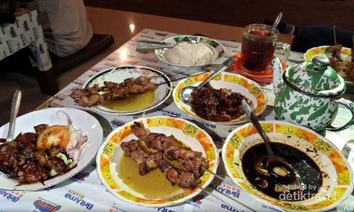 Rekomendasi Kulineran di Bantul: Sate Klatak
