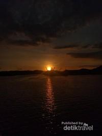 Senja di Pelabuhan Lembar Lombok Barat