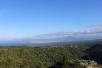 Gunung Taal yang sempat erupsi menjadi pemandangan indah di Tagaytay.