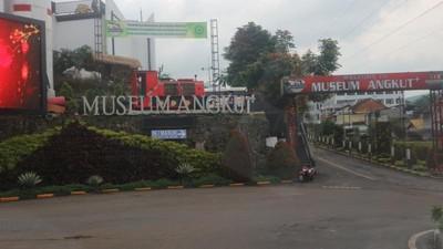 Akhir Pekan di Malang, Jajal Museum Angkut Yuk!