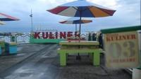 Kawasan Siring Laut juga dikenal sebagai pusat kuliner di Kotabaru