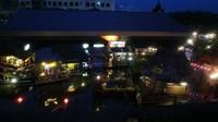 Suasana Pasar Apung Batu di waktu malam