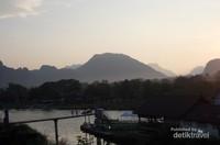 Sungai Nam Song pun terlihat sangat tenang seolah ingin beristirahat.