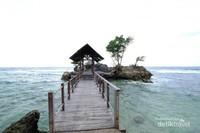 Jika datang ke Tanjung Bira jangan lupa sempatkan untuk berkunjug ke Pantai Ujung Tiro
