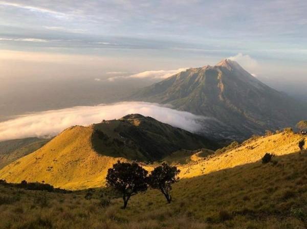 img 20200321200513 5e7611099a0f7 - 5 Gunung Dengan Pemandangan Terindah di Indonesia