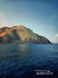 Bagian perjalanan dengan boat dari Labuan Bajo menuju pulau Padar.