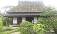 Sebuah rumah yang disediakan untuk para pengunjung menikmati teh yang disajikan.