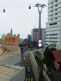 Theme Park Hotel dilihat dari sebuah sisi mal