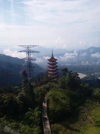 Pengunjung bisa berhenti di stasiun Chin Swee Temple untuk melihat pagoda