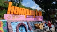 Kampung 3D (Tridi) Jodipan letaknya tidak jauh dari Stasiun Malang Baru.