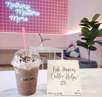 cafe serba pink terkenal di kota medan