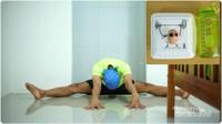 Traveler yang biasanya jarang olahraga, cobalah untuk rutin melaksanakannya di rumah. Selain badan jadi fit, juga nyiapin tenaga/fisik buat jalan jauh setelah pandemi berakhir