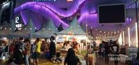 Pengunjung mulai berdatangan di Bazaar Central Plaza Udon Thani.