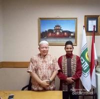 Doktor Choirul Mahfud bersama Ketua Persatuan Islam Tionghoa Indonesia Jatim H.Haryanto Satriyo