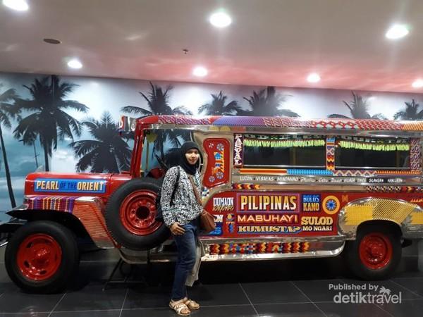Jeepney, transportasi paling popular di Manila