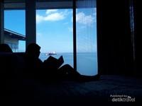 H2O Hotel, dengan room sea view  fasilitas lengkap