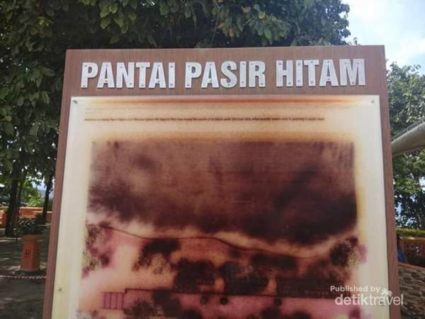 Papan tanda kawasan Pantai Pasir Hitam, Langkawi