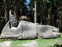Replika patung Budha Tidur di Big Garden Corner.