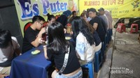 Es puter legendaris di Semarang bernama es puter Cong Lik