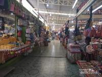 Malin Plaza Matket Phuket yang bersih dan rapi.