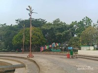 Kawasan taman yang bersih.