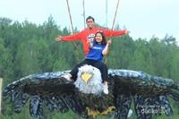 berwisata alam bersama pasangan menjadi temaot favorite tersendiri