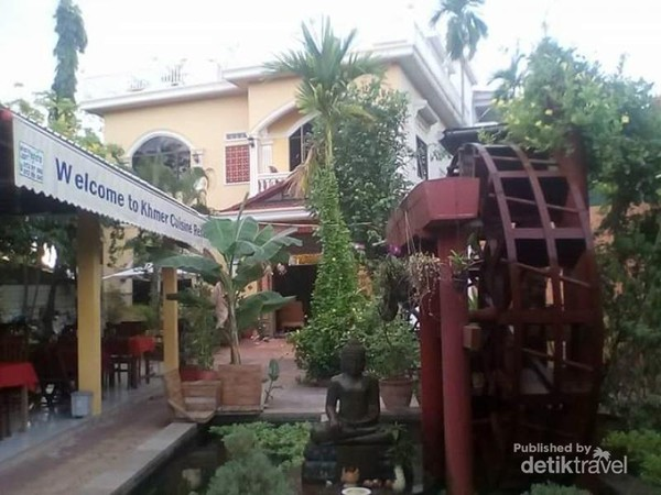 Salah satu restoran di Siem Reap yang belum beroperasi sebelum pukul 9.00 atau 10.00 pagi.