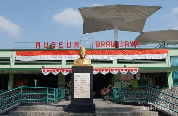 Museum Brawijaya merupakan museum militer di Malang. Museum ini diresmikan pada tahun 1968.