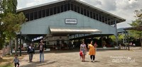 Bangunan Stasiun yang terpelihara dengan baik.