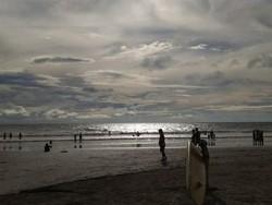 Potret Pantai Legian Buat Kamu yang Kangen Bali