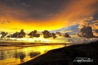 Senja di Pantai Panjang Bengkulu, pantai yang terkenal sangat panjang di Indonesia.