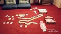 Saat wabah melanda,kami jadi lebih sering bermain boardgames.