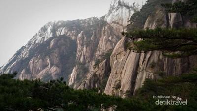 Begitu Magis, Pegunungan Huangshan China Ini