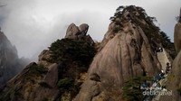 Perjalanan menuju puncak gunung Huangshan