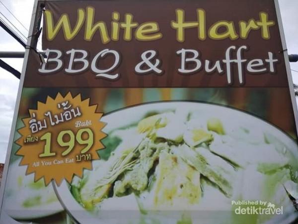 White Hard Resto dan makanan yang ditawarkannya.