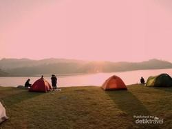 Waduk Sermo, Tempat Camping Hits di Jogja